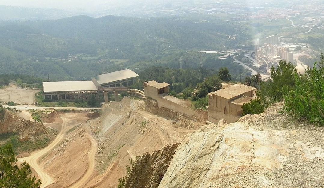 Vista de la cimentera Cemex (Sanson)